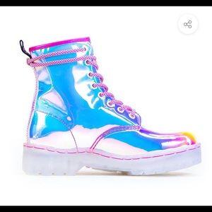 Super Air Iridescent Festy Besty Boots
